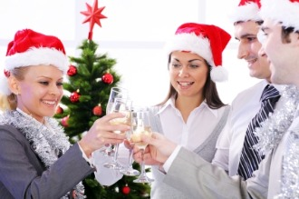 Christmas Holiday Work Party Ideas, Tips and Activities - Popteen Magazine - Christmas Holiday Work Party